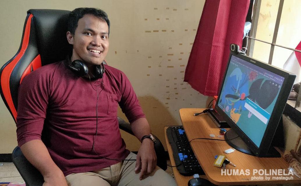 Dr Septafiansyah membuat panduan platform google meet