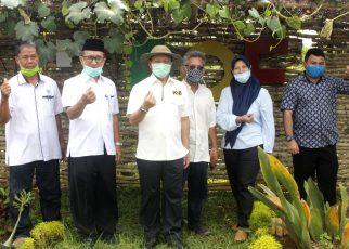 Kunjungan Ketua Tim Program Kartu Petani Berjaya