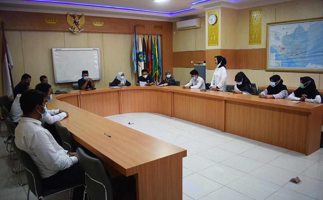 Polinela Serahkan SK CPNS Kepada 8 Orang Tenaga Pendidik 2021