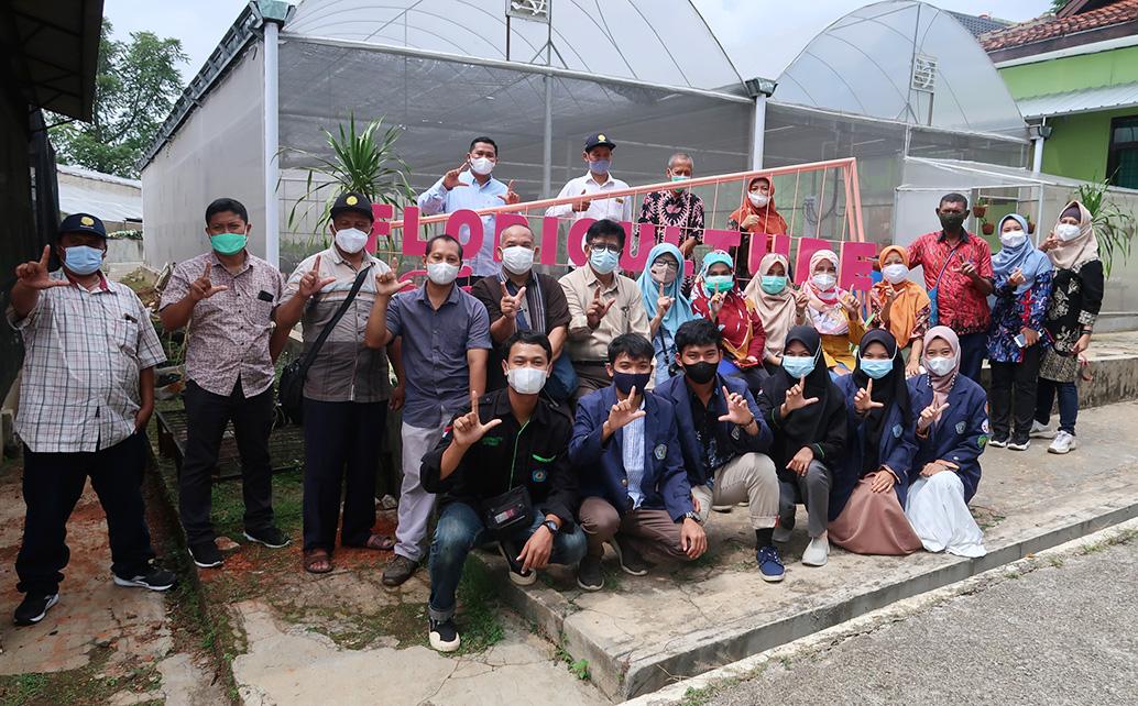 Kunjungan BPPSDM Kementerian Pertanian dan rombongan ke TeFa Floriculture Farm Polinela